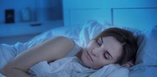 Jak dobrać i prawidłowo stosować kosmetyki na noc