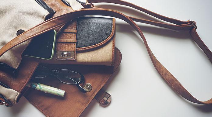 Nieodzowny atrybut eleganckiej kobiety – skórzany portfel
