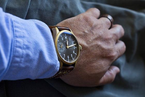 Cechy męskiego zegarka biznesowego